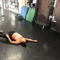 横浜の総合格闘技&キックボクシング&柔術 リバーサルジム「グランドスラムオンラインレッスン」 美尻ストレッチサムネイル画像1