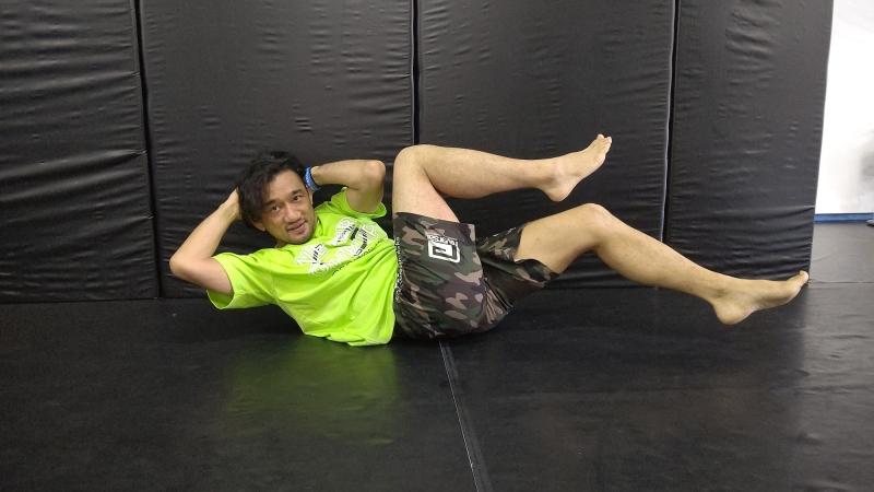 横浜の総合格闘技&キックボクシング&柔術 リバーサルジム「グランドスラムオンラインレッスン」 みんなで楽しく筋トレ画像1