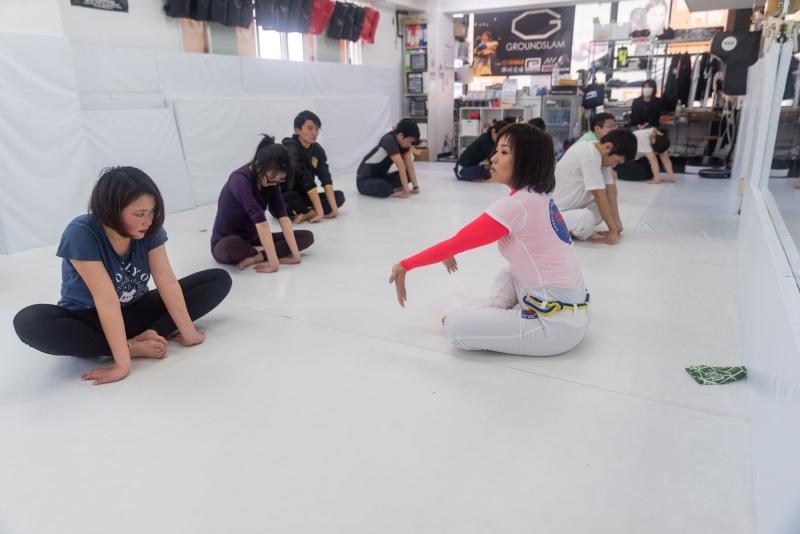 横浜の総合格闘技&キックボクシング&柔術 リバーサルジム「グランドスラムオンラインレッスン」 初めてカポエイラ画像1