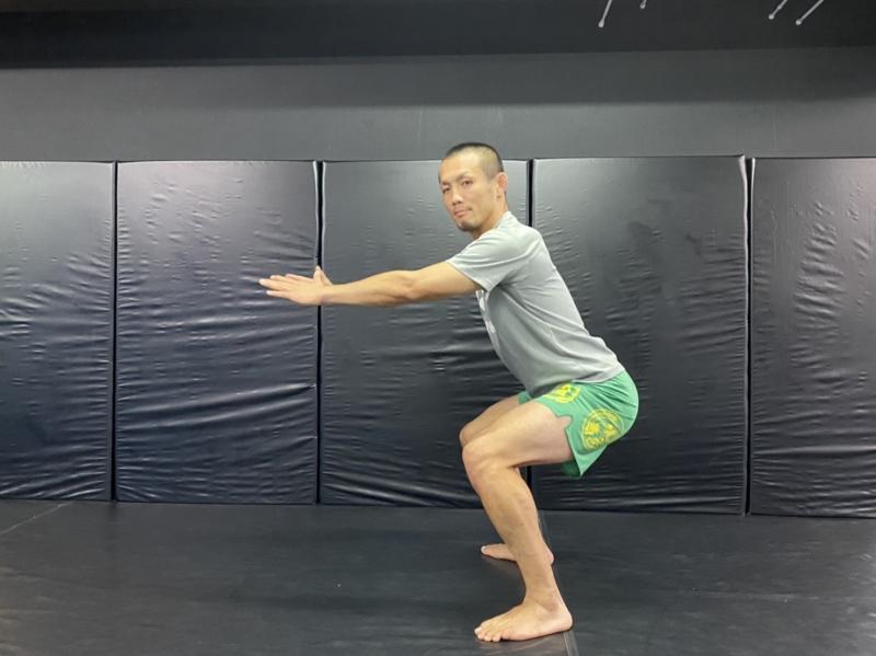 横浜の総合格闘技&キックボクシング&柔術 リバーサルジム「グランドスラムオンラインレッスン」 下の階の人にも迷惑をかけないHIITトレ画像1