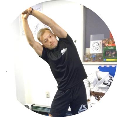 横浜の総合格闘技&キックボクシング&柔術 リバーサルジム「グランドスラムオンラインレッスン」 レッスンの目的「肩コリ改善・腰痛改善」